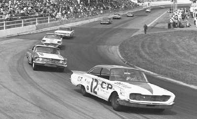 Joe Weatherly leads Rex White into the first turn at Martinsville Speedway during the Sept. 25 Old Dominion 500.