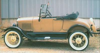 The 1926 Ford Model T roadster acquired a longer deck and opening driver's side door.