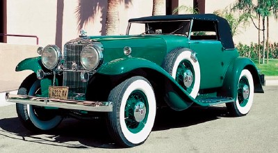 1932 Stutz DV32 Super Bearcat convertible front-three-quarter view