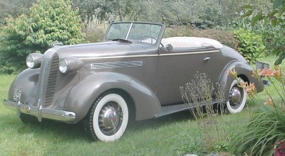 The 1936 Pontiac had relatively few changes from the 1935 model.