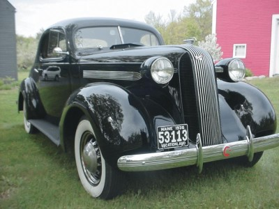 The hood ornament was changed for the 1936 Pontiac.