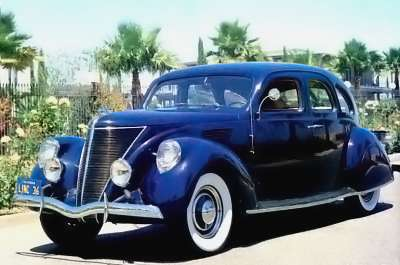 1936 Lincoln Zephyr full view