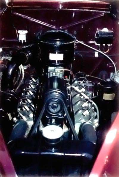 1939 Lincoln Zephyr engine view