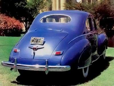 1941 Lincoln Zephyr rear view
