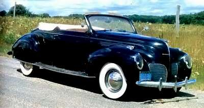 1939 Lincoln Zephyr convertible coupe rear view