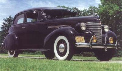 With more than 220,000 produced, the 1939 Chevrolet Master DeLuxe town sedan continued as the customer favorite.