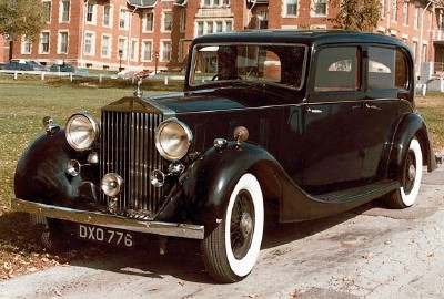 The 1938 Rolls-Royce Wraith sedan, part of the 1938-1939 Rolls-Royce Wraith series