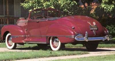 Running boards were standard on the 1941 Hudson Commodore Six convertible.