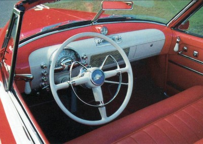 Even the dash of the 1948-1949 Oldsmobile was treated to Futuramic styling.