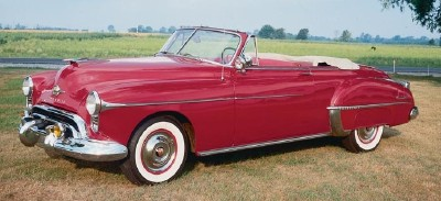 This 1950 Oldsmobile Futuramic 88 convertible was part of the 1949-50 Oldsmobile Futuramic 88 line.