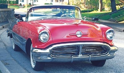 This 1956 Oldsmobile Super 88 convertible is part of the 1954-56 Oldsmobile 98 and Super 88 line.