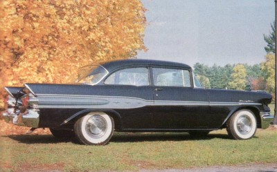 1957 Pontiac models were restyled to appeal to a younger market.