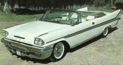 Among exterior changes for the 1958 DeSoto Adventurer were a slightly changed grille and sidesweep.