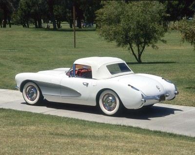 The 1956 Corvette boasted a much-improved chassis, standard roll-up windows, and an optional lift-off hardtop.