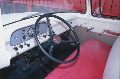 An inside look at the Style Tone paint option for 1958 Ford F-Series trucks