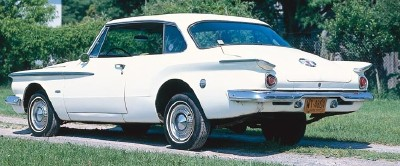 The 1962 Plymouth Valiant Signet 200 had distinctive spears of color on the sides.