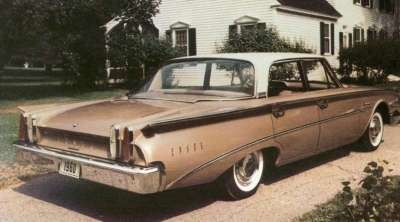 From the rear, the 1960 Edsel Ranger was similar to other 1960 Ford models.