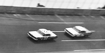 Fireball Roberts and Bobby Johns race in the 1962 Daytona Firecracker 250.