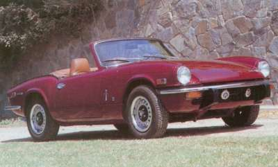 The 1971 Spitfire was a Mark IV with a more angular tail, longer bumpers, and seamless front fenders.
