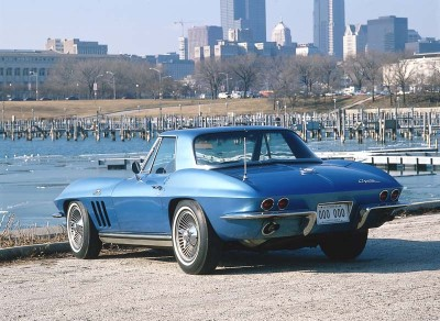 The 1965 Corvette marked the advent of standard four-wheel disc brakes.