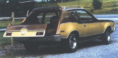 The 1972 Voyageur concept car featured the pull-out Grem-Bin.