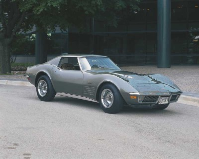 A 1971 Corvette with a 330 hp, 4-speed manual transmission could go 0-60 in 6 seconds.