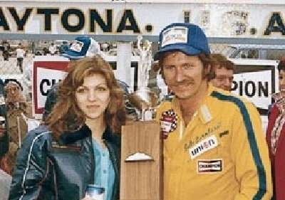 Dale Earnhardt and future wife Teresa Houston celebrate in victory lane following the second annual Busch Clash.