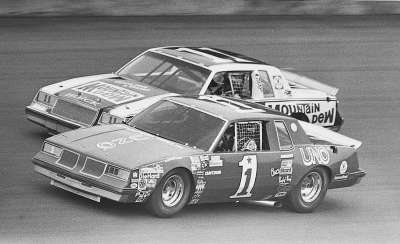 Buddy Baker (#1) battles with Darrell Waltrip in the Twin 125-mile qualifying race at Daytona on Feb. 12, 1981.