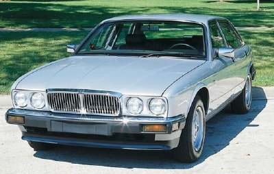 The 1990 Jaguar XJ6 sedan, part of the 1987-1994 Jaguar XJ6 series.