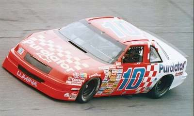Derrike Cope proved his Daytona 500 victory was no fluke with a convincing win in the 1990 Budweiser 500.