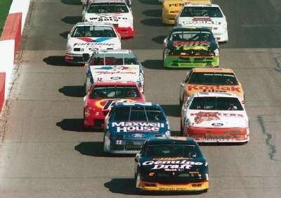 Rusty Wallace leads at the start of the 1992 Pyroil 500, a NASCAR Winston Cup series event.