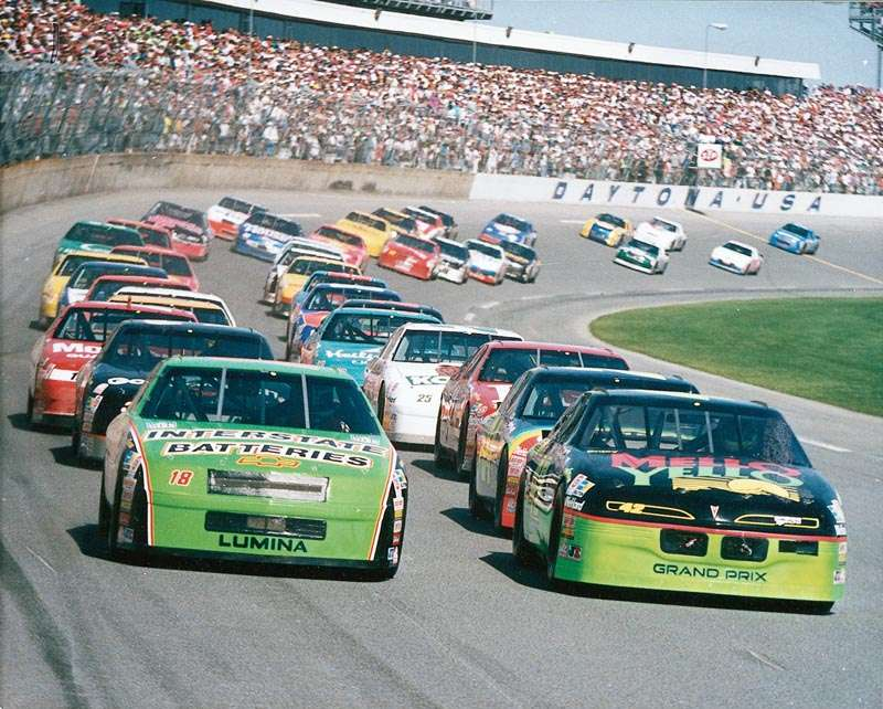 Kyle Petty and Dale Jarrett start the 1993 Daytona 500, a NASCAR Winston Cup series event.