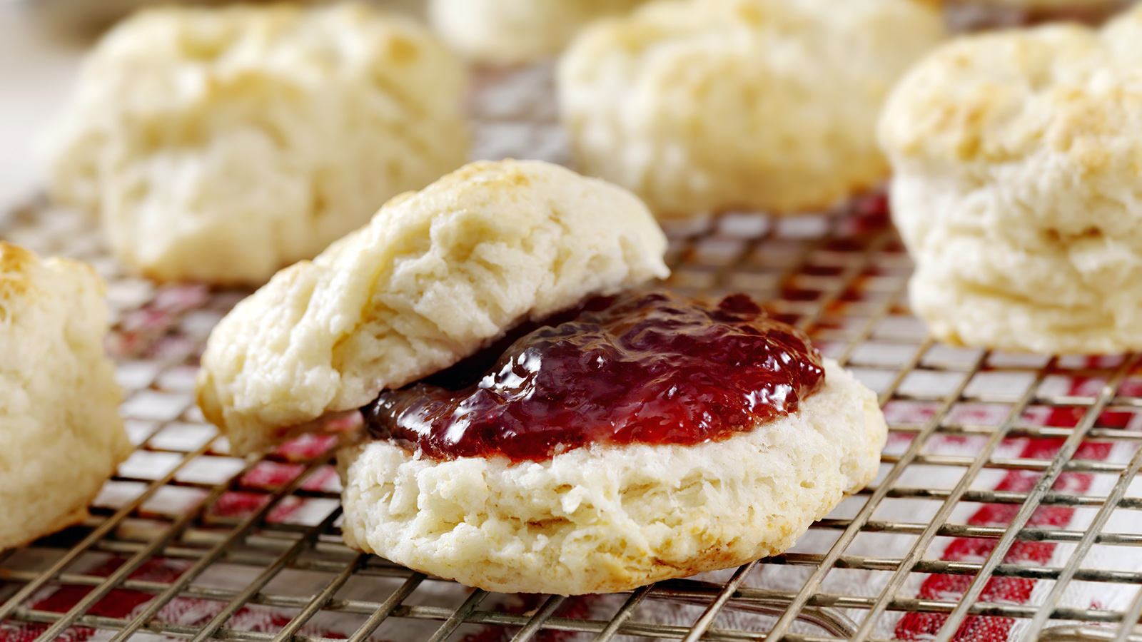 The Light And Fluffy History Of Southern Biscuits Howstuffworks