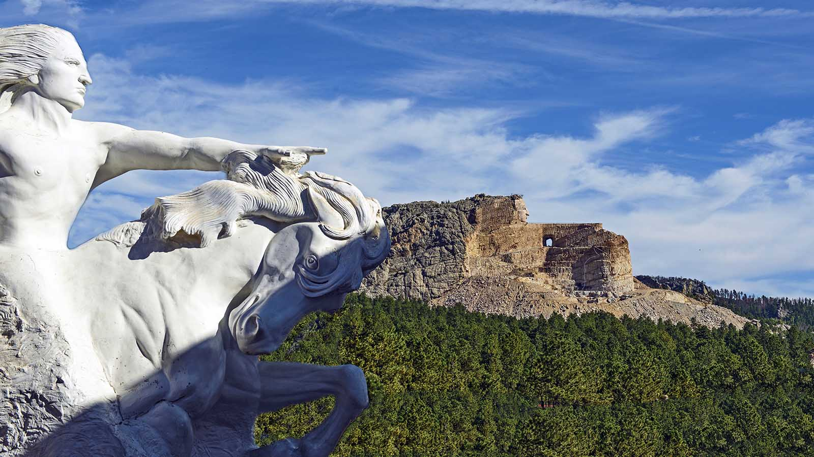 A Monumental Tribute To Crazy Horse Has Been Taking Shape For Decades Howstuffworks