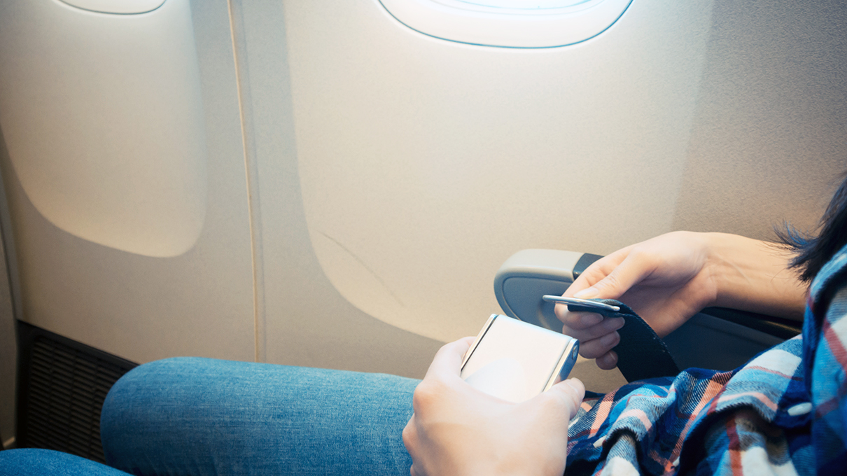 If Cars Have Shoulder Seat Belts, Why Not Airplanes? | HowStuffWorks