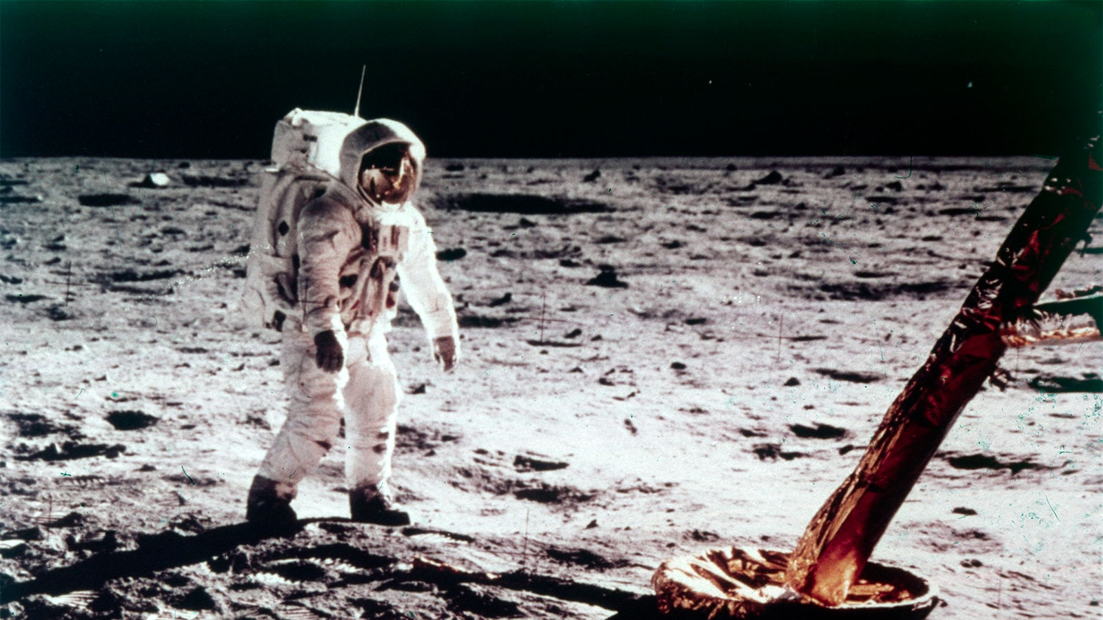 date of apollo 11 moon landing