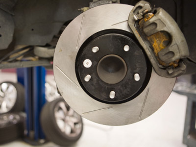 Brakes And Rotors >> Slotted Brake Rotors Howstuffworks