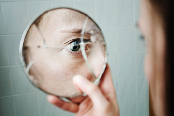 Why is it bad luck to break a mirror? | HowStuffWorks