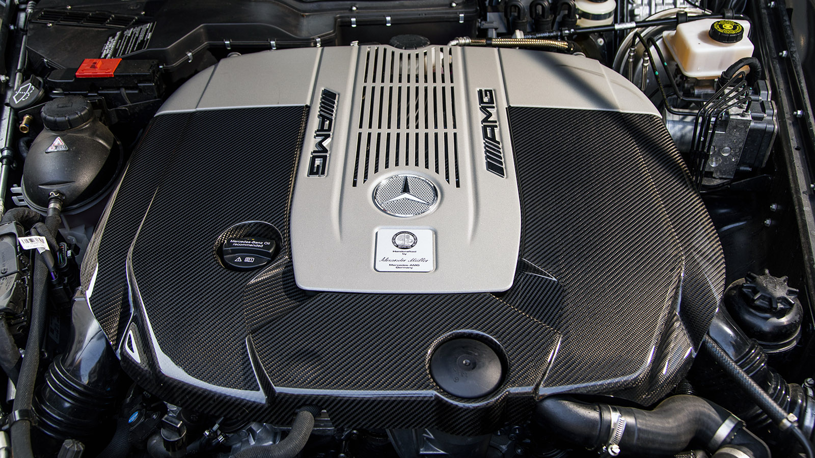 How Are 4-cylinder and V6 Engines Different? - 4-Cylinder