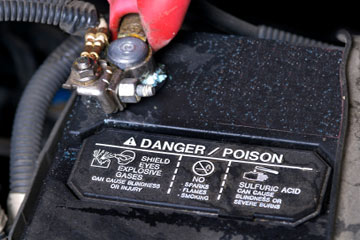 Removing Old Car Batteries   HowStuffWorks