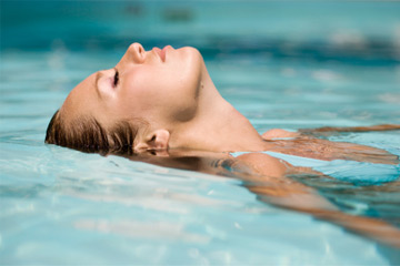 How does chlorine affect skin? | HowStuffWorks
