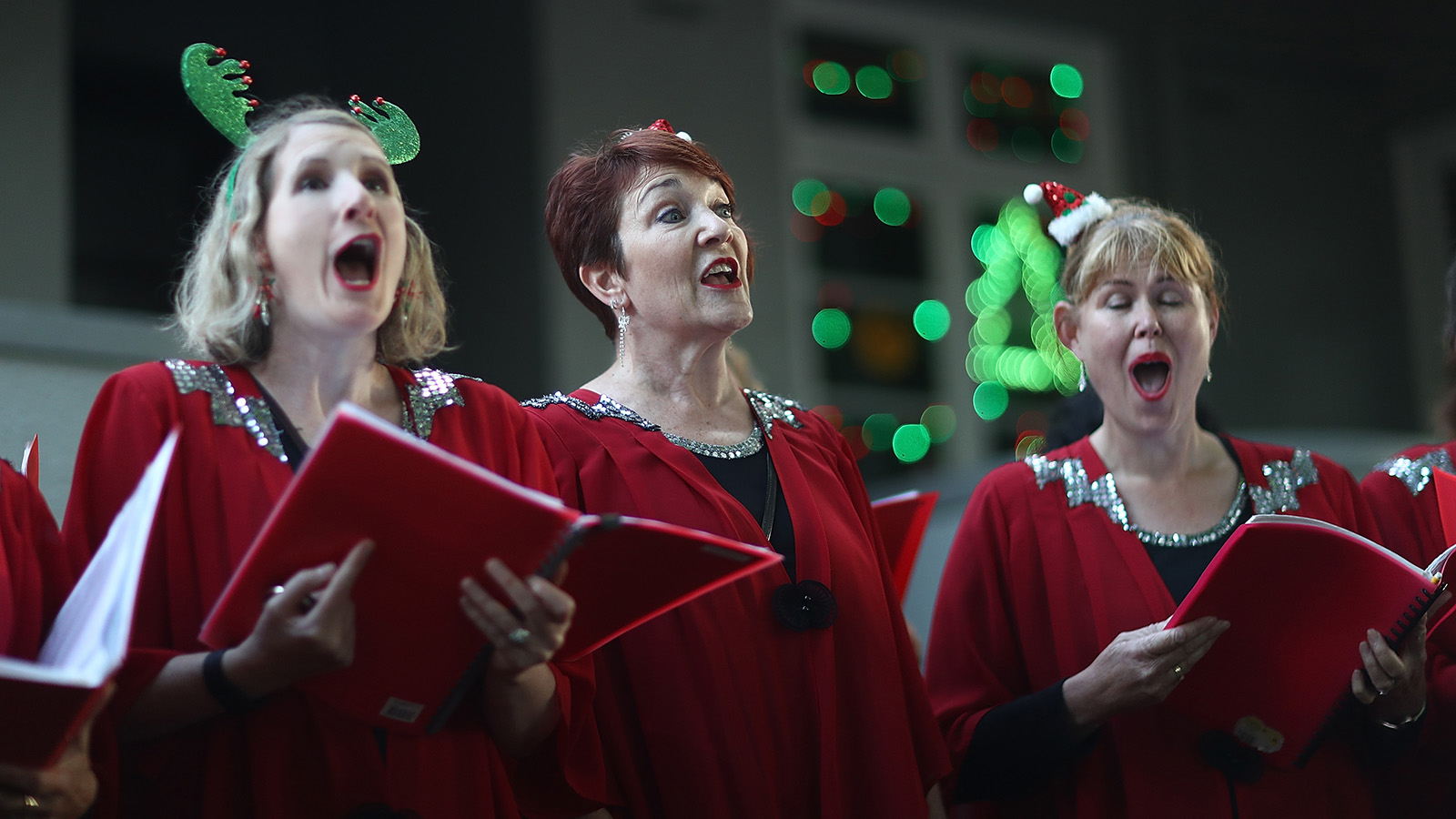 The Story Behind Those Christmas Carols You Can T Stop Singing Howstuffworks
