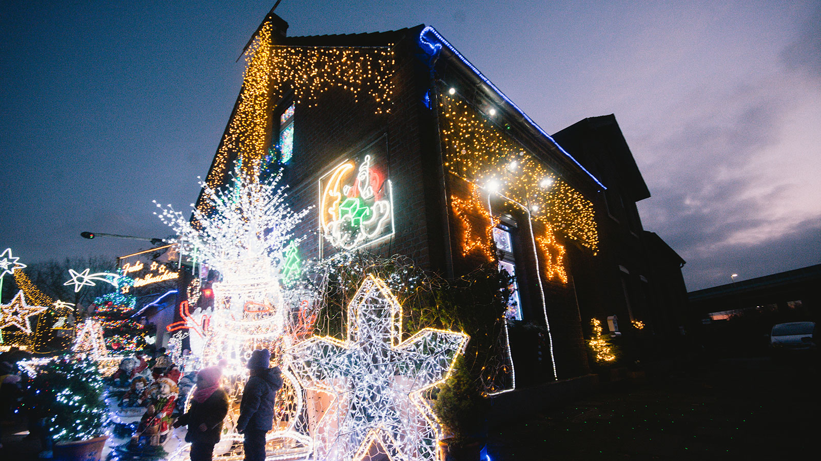 Christmas Light Finder 2021 How To Host A Christmas Light Contest Howstuffworks