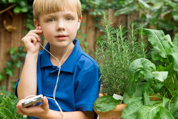 The Music Snob's Guide to Cleaning Your MP3 Player