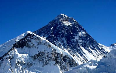 mount everest as seen from the nearby mountain of kala patthar  see more  pictures of