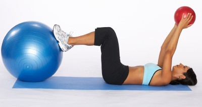 How to Do a Stability Ball Crunch with Medicine Ball | HowStuffWorks