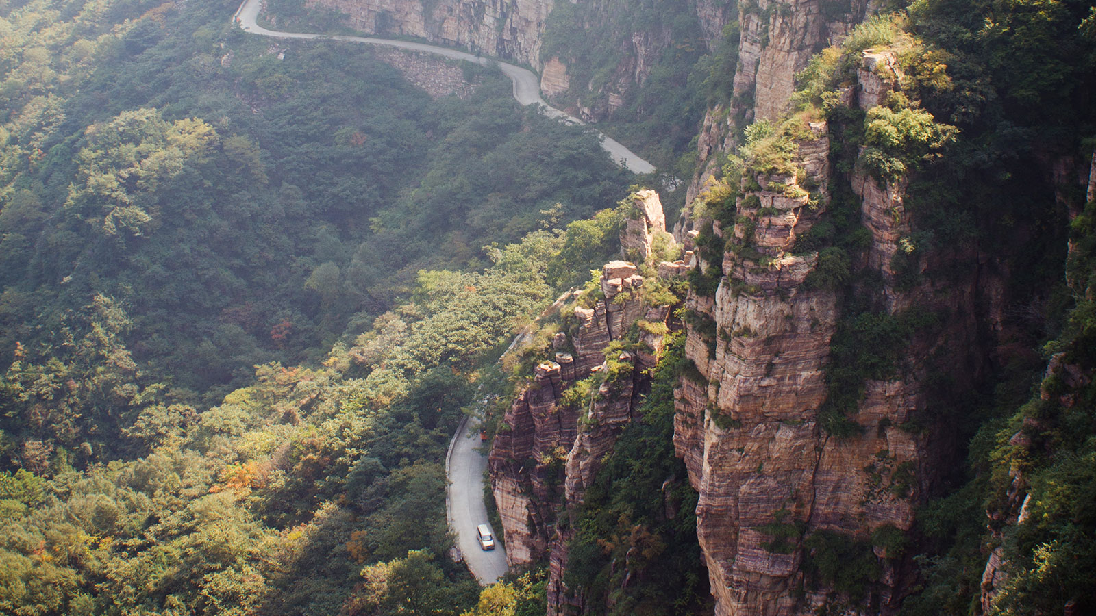 Top 5 Most Dangerous Roads In The World Howstuffworks
