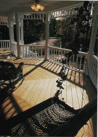 Deck Ideas: Old-Style Porches For New Homes