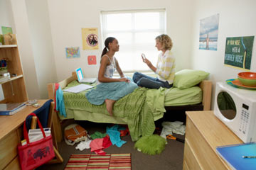 house decorating ideas on a budget.htm how to decorate a dorm room on a budget howstuffworks  how to decorate a dorm room on a budget