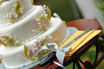 Do You Dare? DIY Wedding Cakes